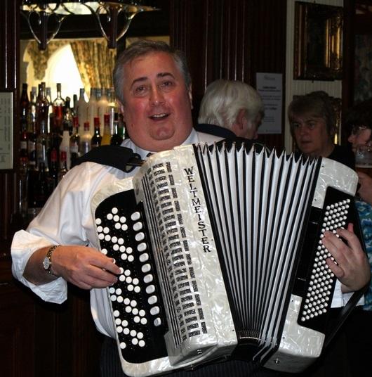 Storming accordion/vocal virtuoso - ROMAN VOLOSHCHUK